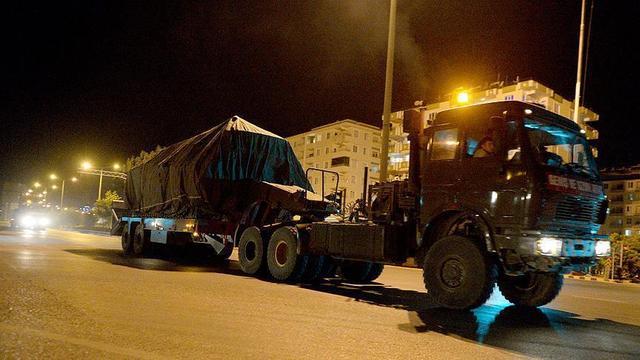 土耳其犯浑美英无奈,坦克大炮成批运抵前线,叙军准备保家卫国_武装