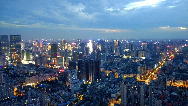 """原创             你觉得""""平原城市""""和""""山区城市"""",哪一个更有发展潜力?"""