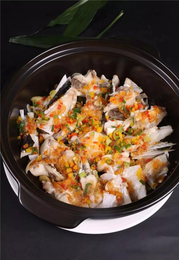 【每日饮食】黄椒酱焗千岛湖鱼头