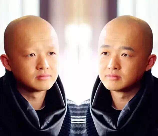 男神剃了眉毛,王祖蓝更可爱,包贝尔却一下老十岁