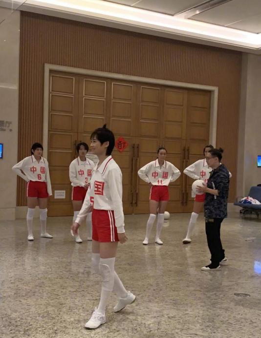 《我就是演員》錄制曝光:李宇春女排造型美,孟美岐被贊演技好