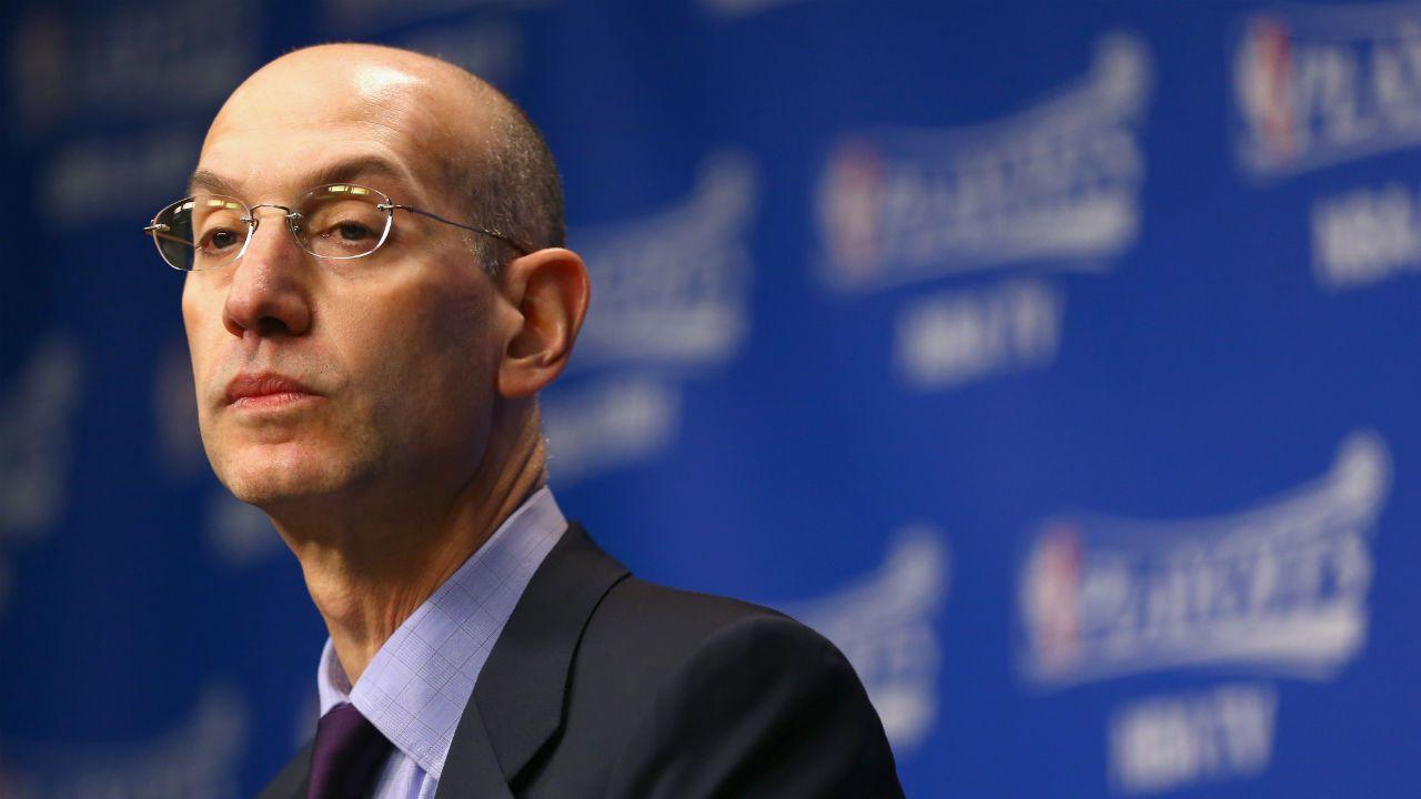 NBA总裁连夜抵上海,与姚明继续合作,肖华:爱国情怀出乎意料!