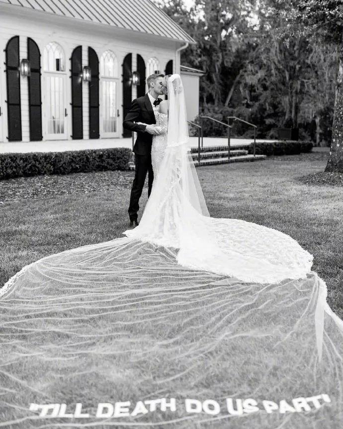 比伯结婚了!送上930万婚礼+19亿身家:这一次,他放下了所有退路