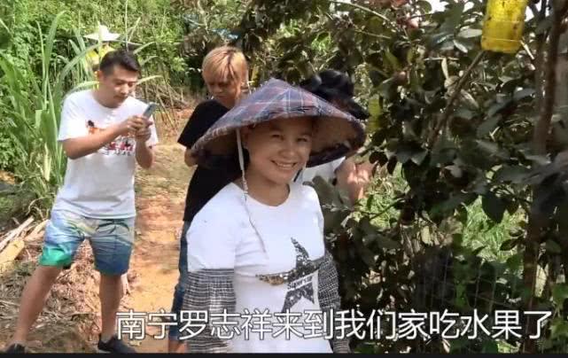 南宁罗志祥没对抗住当网小京东红的蛊惑,与三百万粉丝大V一起做直播