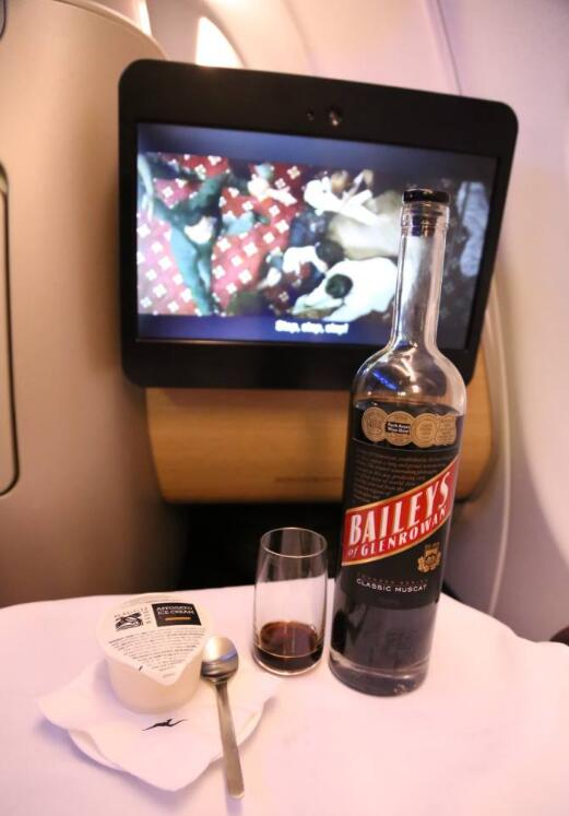 亲测!澳洲航空到底好不好,安不安全!