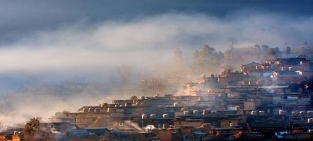 """云南""""最奇葩""""村庄!1000多间房子相互连接?村民家还互相连通"""