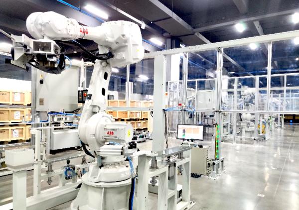 極智嘉Geek+建成首座自主移動機器人柔性智慧工廠