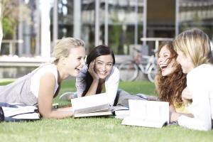 去英国留学,哪些大学的奖学金尤其丰厚?