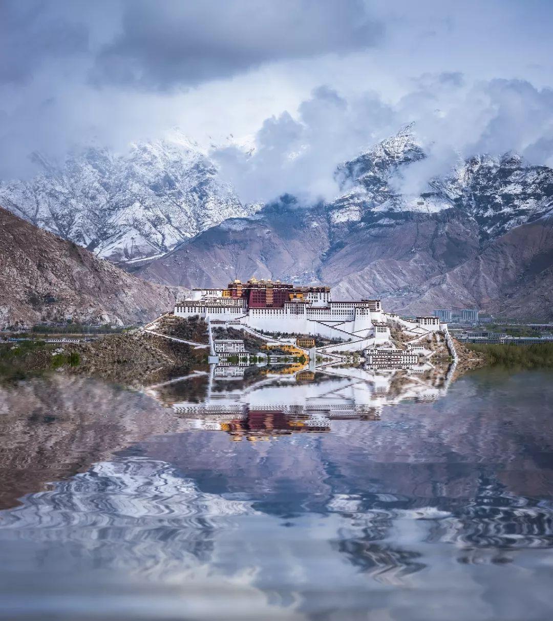 西藏是一種病,不去治不好;新疆是一種癮,去過戒不掉