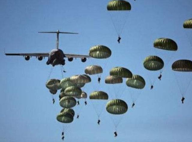 军机标配弹射座椅,客机连降落伞都没有:啥原因造成如此大差距?