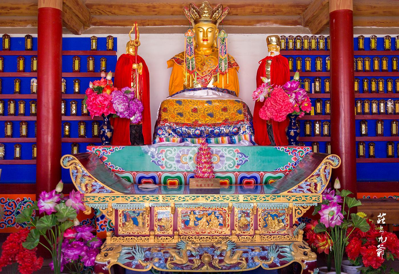 原创             本来想当土皇帝 惶恐中把金銮殿改成了一座庙