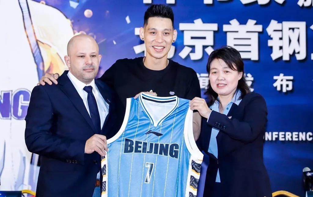 为中国男篮效力 林书豪坦言一直考虑被归化 鼓励郭艾伦被赞暖男图片