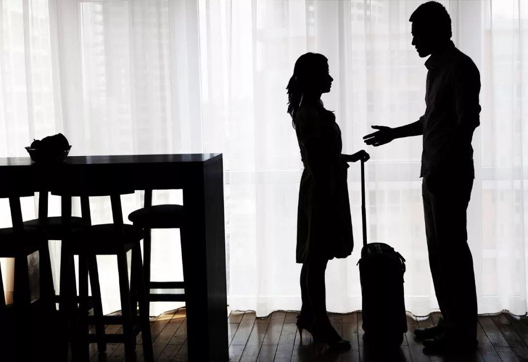 男人向怀孕女友告贷60万后失联,女方:他曾找临时演员假扮母亲
