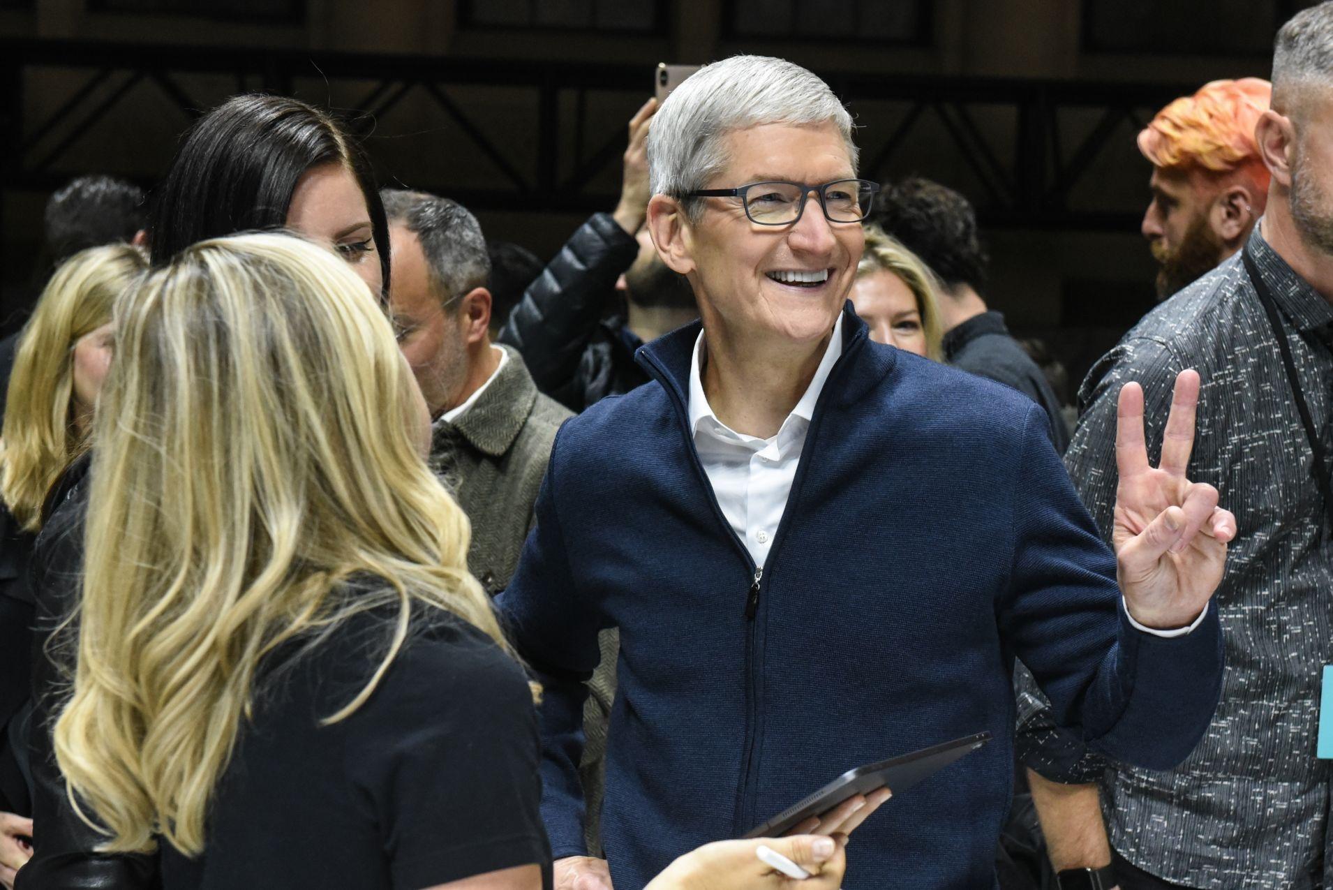 原创             iPhone销售火爆,能否助力苹果超华为夺回全球第二?