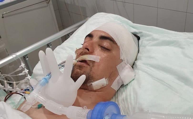 澳洲32岁男子印尼出车祸昏迷,不仅错过本人婚礼,刚醒来就失忆
