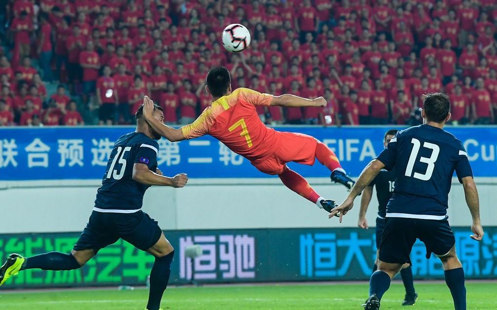 武磊稱不和對手比凈勝球 能力明顯高出一檔 下場國足攻擊力銳減_比賽