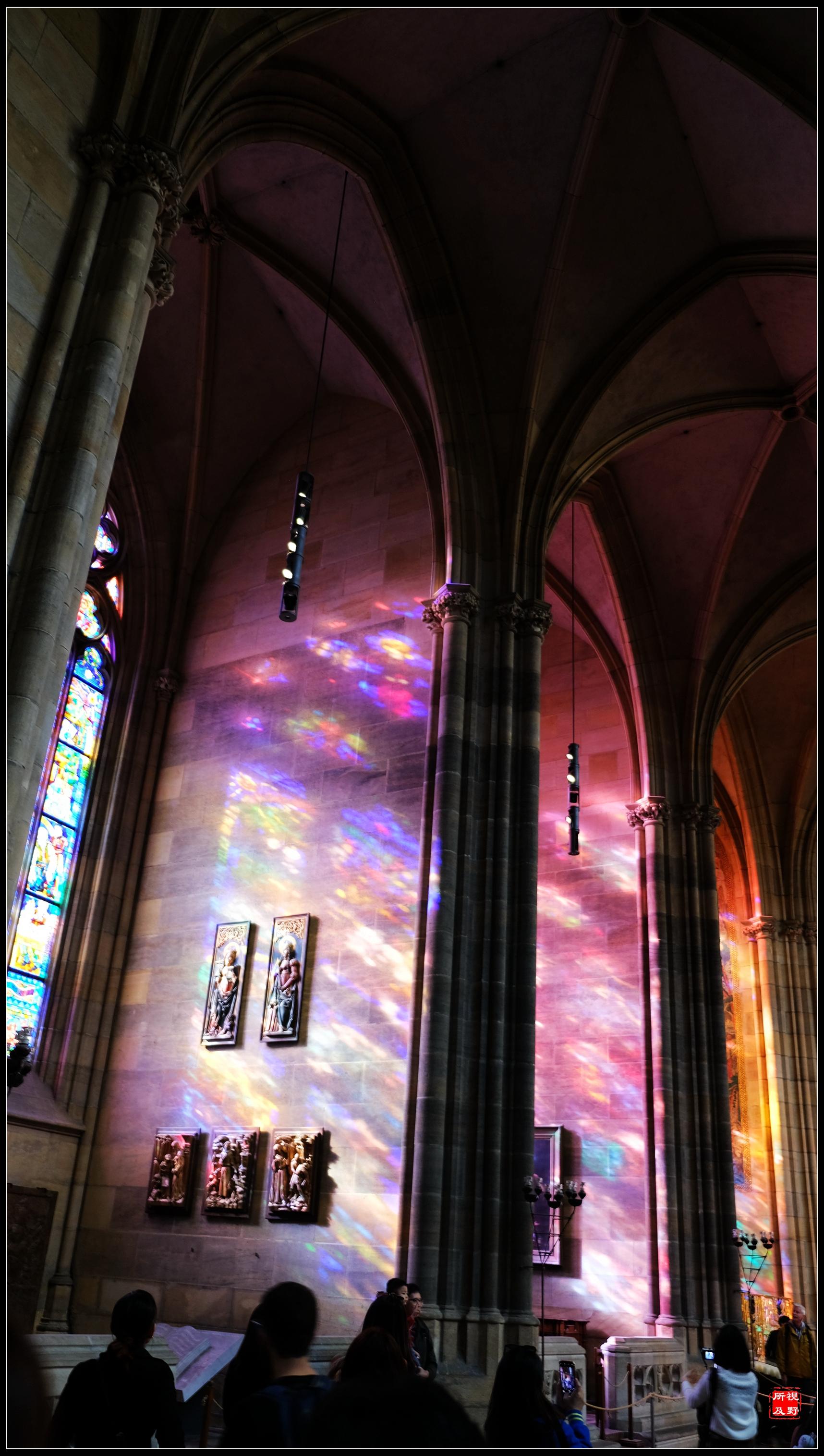 原创             去布拉格圣维特大教堂 只为那扑朔迷离的彩光