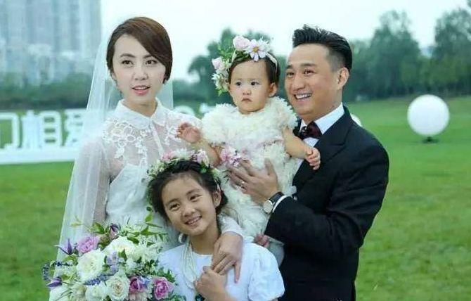 黄磊回应女儿多多染发事件:支持家里任何人染发!这样对吗?