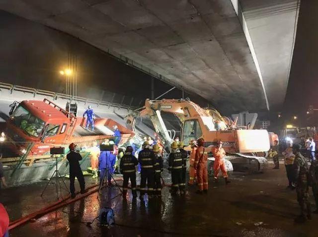 江苏无锡高架桥侧翻致3死2伤,初步调查原因为超载,设计方或是中
