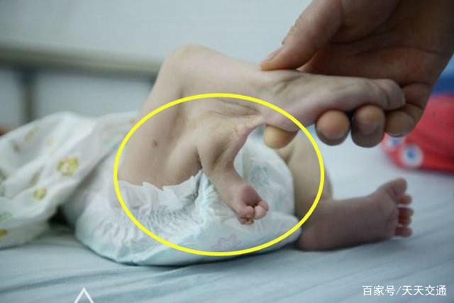 原创45岁高龄产妇坚持生子,生完后看到孩子不肯认,医生:太儿戏