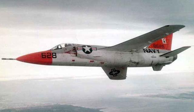 战机史上奇闻:美国战机追上自己打