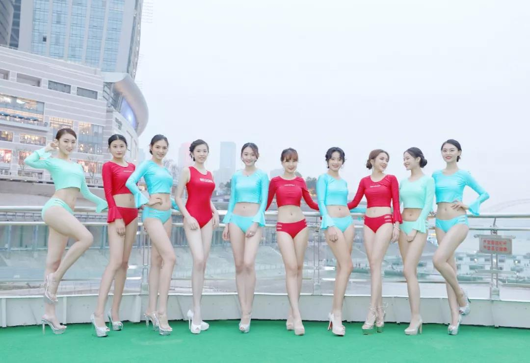 RELLECIGA比基尼性感亮相2019全球城市形象大使大中华总决赛媒体见面会