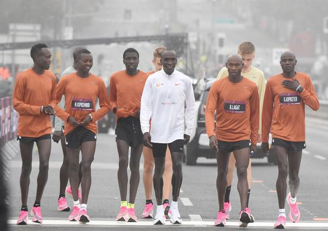 马拉松|基普乔盖成功打开马拉松2小时大关