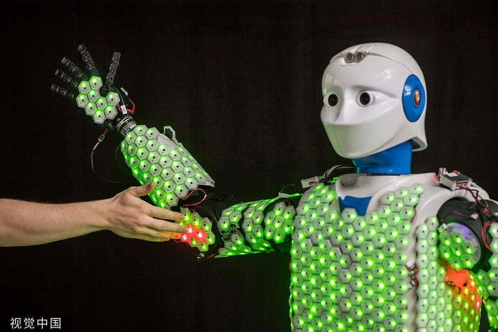 """德国一大学开发拥有""""皮肤""""的机器人 可感知触觉_德国新闻_德国中文网"""