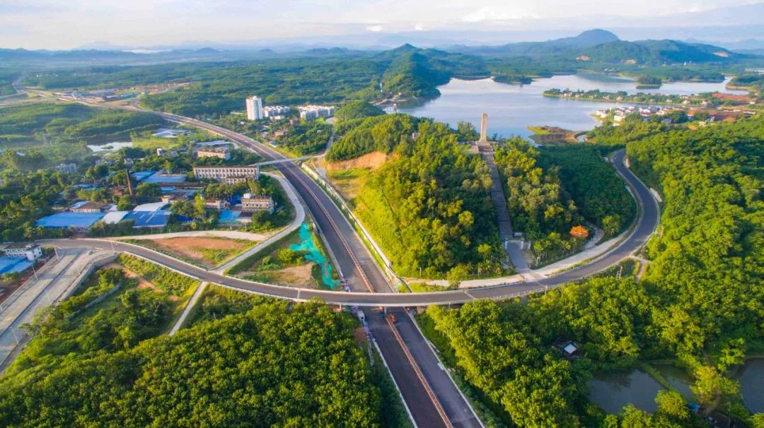 海南这条高速公路年底将全线开通,途经这些市县→