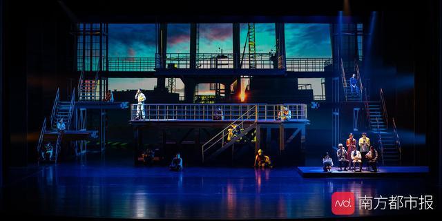 叙述港珠澳大桥建设者故事,原创大型话剧《龙腾伶仃洋》行将首演