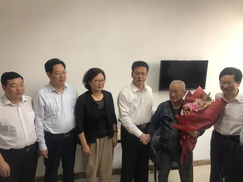 <b>【关注】省政府副省长方光华一行走访慰问我市医养结合机构和在院老人</b>