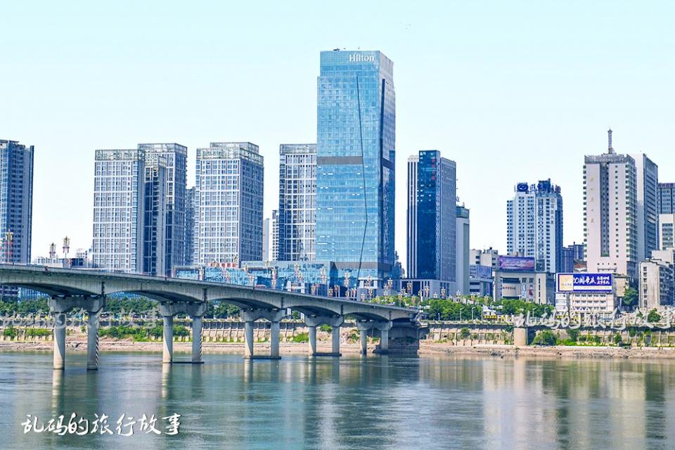 湖南第二大城市,也是南方最大铁路枢纽,日接发车230趟与郑州齐名