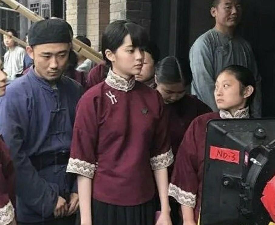原创 欧阳娜娜旗袍造型被说没有韵味,她才十九岁而已啊插图(3)