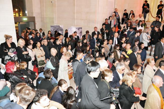 国际级榜首级艺术家玉花寿之王教授个展 巴黎卢浮宫冷艳展出