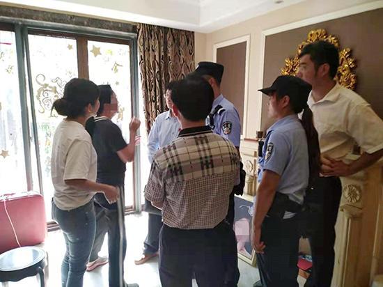上海785万元的房子同时被五家法院查封腾房现场一家子赶来阻拦