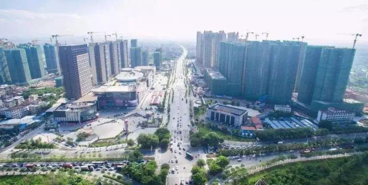 东部经济总量_东部地区经济发展图片