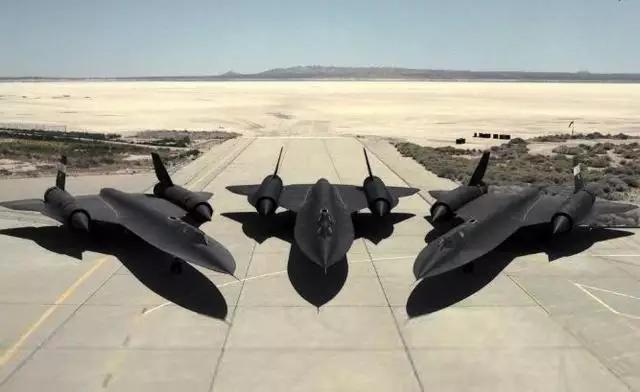 """为什么飞机飞行速度常用""""马赫""""表示?1马赫等于时速多少公里?_战机"""