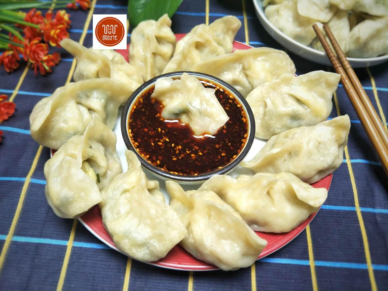 包素饺子的时候里面加点这个,比肉饺子吃的还香,一顿一锅不够吃