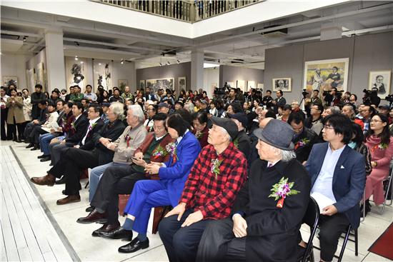 笔墨春秋--第二届中国画学术交流展于中艺国际展览馆开幕
