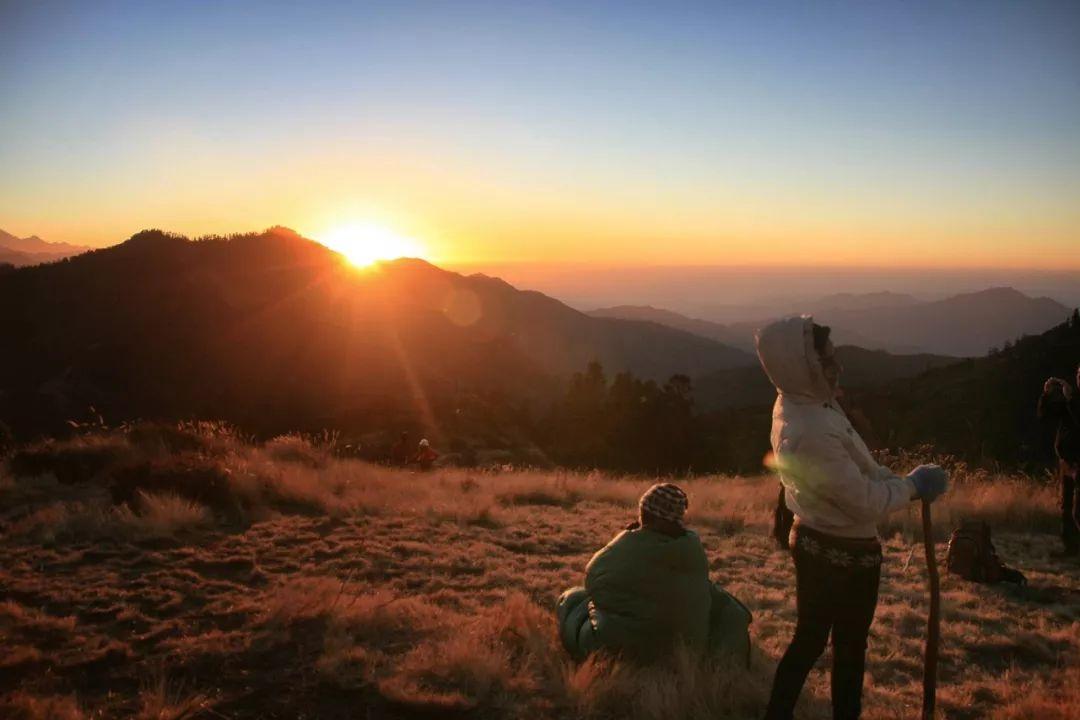 雪山徒步、空中滑翔、丛林探险......这么迷人的国度,不去走走?