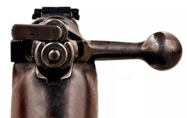 二战各着名步枪上的枪栓,每一次拉动枪栓,都是一条生命的消逝