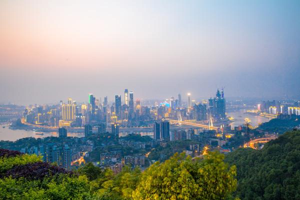 原创             重庆有多火?成中国最火的旅游城市,年旅游人数是上海北京总和