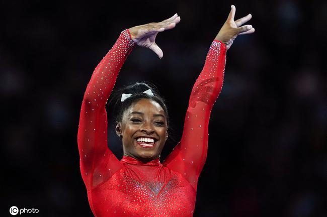体操世锦赛拜尔斯再添一金 比利时名将高低杠卫冕