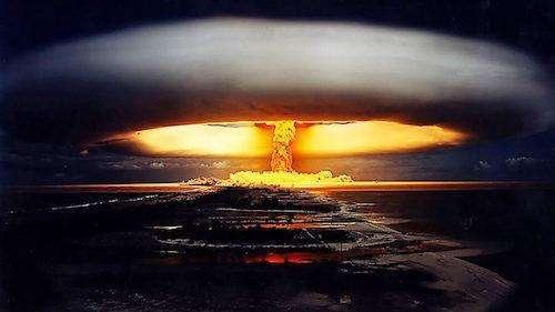 能够瞬间击毁人类最先进武器,比闪电能量还大,但却是全人类福音