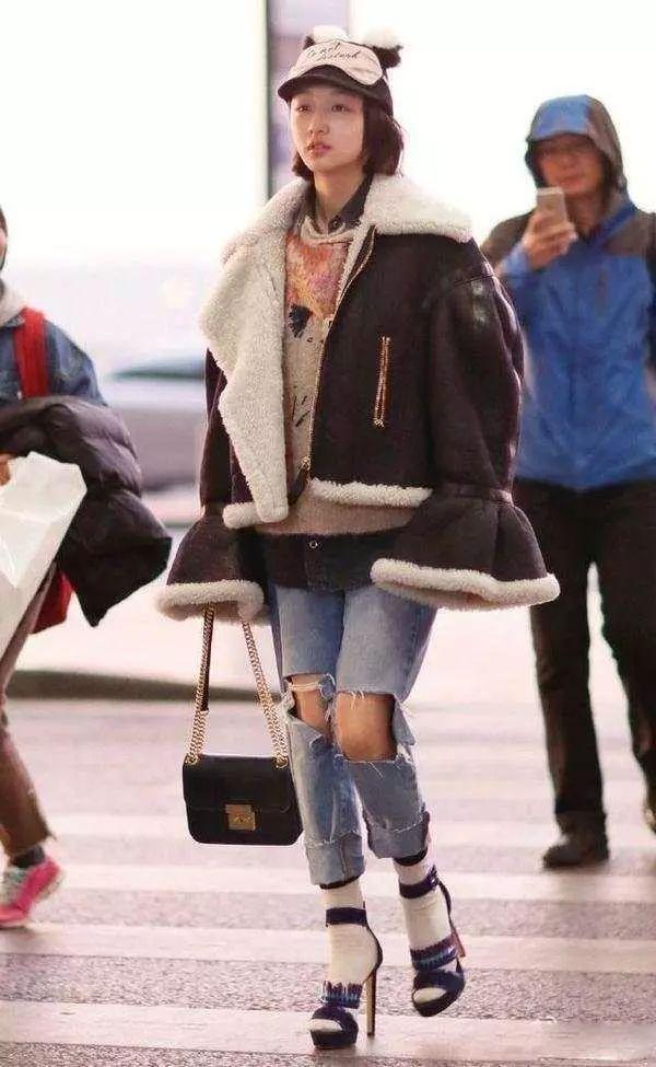 凉鞋配袜子是另类时尚?这些女星不仅敢穿,还超好看!