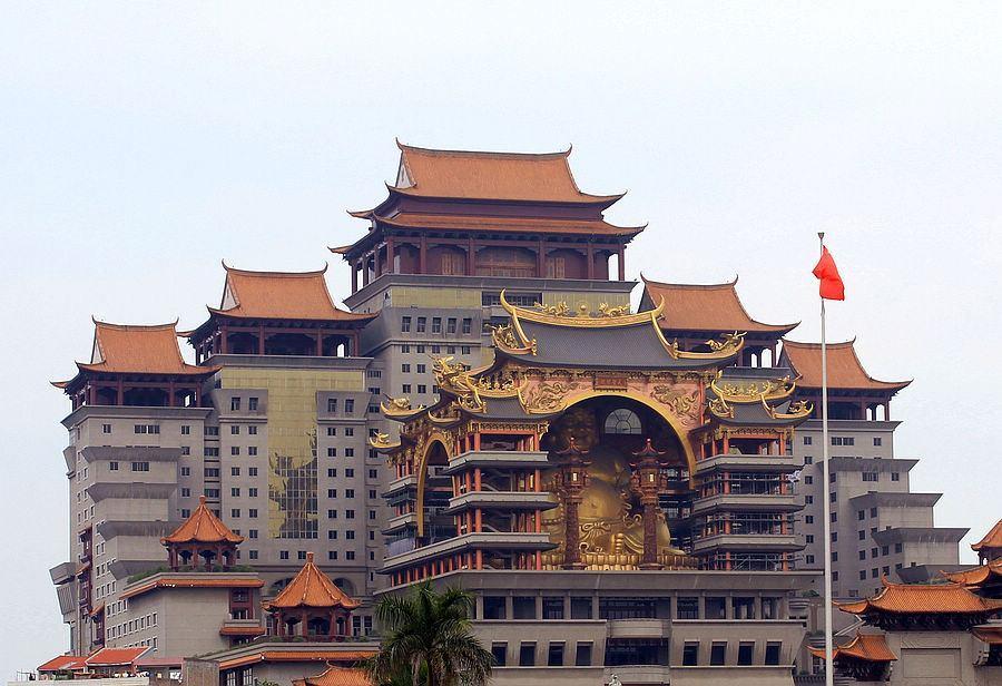 广西一宫殿上世纪耗21亿建造,打破11项纪录,却没人知道是谁建的
