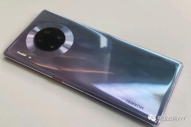 华为Mate30Pro硬件狂甩iPhone11一条街!但销量却被iPhone11完胜