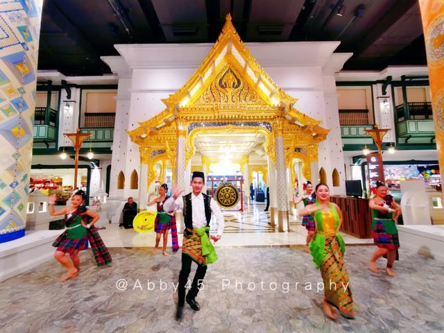 原创             泰国曼谷新地标,是耗资540亿泰铢水晶宫,更是带水上市场的商场