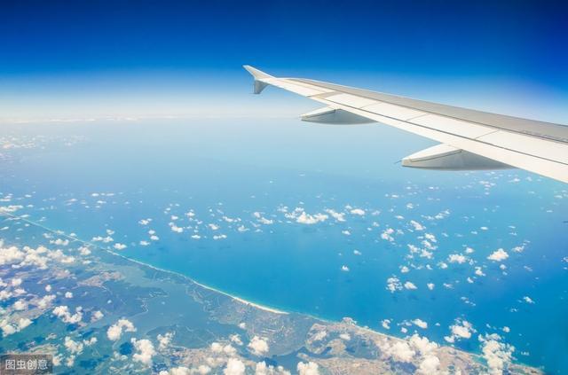 """高空飞机上再现""""生死时速""""!上航机上紧急救援,旅客纷纷点赞"""