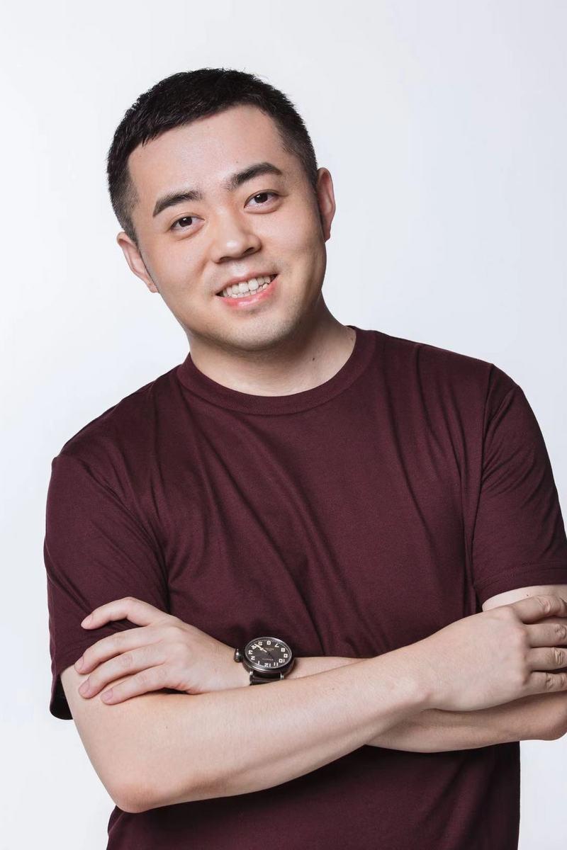 中国电信发布首张5G电话卡 尾号0001 SOHO中国董事长潘石屹率先尝鲜
